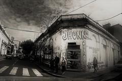 Esquinas de Tucumán (alestaleiro) Tags: mono monocromo monochrome bw vintage esquinas corners tucumán argentina mostremosnuestraargentina alestaleiro alejandrodavidoliveraphotography