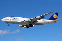Lufthansa 747-400 landing at Detroit (chrisjake1) Tags: dtw kdtw detroit metro lufthansa dabvp 747 744 b747 b744 747400 boeing