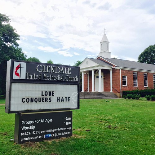 Love Conquers Hate | Glendale United Methodist Church - Nashville Sign