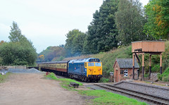 """50044 """"Exeter"""". (curly42) Tags: 50044 class50 exeter hoover vac englishelectric preserveddieselloco svr class50goldenjubilee 50sat50 severnvalleyrailway eardingtonstation transport locohauled engineandcoaches"""