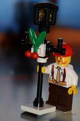 Christmas lantern (343/365) (Tas1927) Tags: 365the2018edition 3652018 day343365 09dec18 lego minifigure minifig