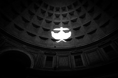 PacMan or iBad (Janne Räkköläinen) Tags: apple wall rome pantheon reflection bad urban city snapshot pacman ibad sun ancient oldplace cityview citylife streetphotographing streetview blackwhite bnw bw art artistic righttiming amateur amateurphotography amateurphotographing canon6d canon canonphotography ef24105l