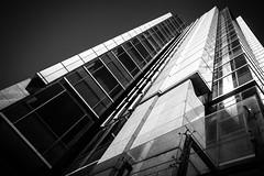 DSCF1029 (靴子) Tags: 黑白 單色 街頭 建築 線條 透視 結構 大樓 城市 bw bnw city street streetphoto xt2 fuji