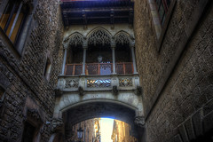 Barcelona, quartier gothique (CloudPhotoz) Tags: barcelona barcelone city ville street rue quartier gothique