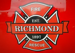 Richmond Fire-Rescue, BC Crest (walneylad) Tags: richmond britishcolumbia canada firedepartment firerescue fireservice firebrigade pompiers bomberos bombeiros emergencyvehicle firevehicle fireapparatus fireappliance firetruck fireengine rescuevehicle commandunit commandvehicle firecar chief firechief battalionchief platoonchief dutychief red car suv pickup truck battalion1 ford f250 superduty 4x4 canopy crest logo seal emblem herald decal patch richmondfirerescue