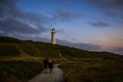 Hirtshals, Leuchtturm (Kai Rennert) Tags: hirtshals leuchtturm lighthouse denmark danmark dänemark evening abend mood people menschen fyr fry beach sunset sonnenuntergang