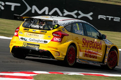 BTCC - Tom Chilton ({House} Photography) Tags: btcc british touring car championship automotive race racing motor sport motorsport canon 70d housephotography timothyhouse brands hatch uk kent fawkham tom chilton shredded wheat ford focus mountune