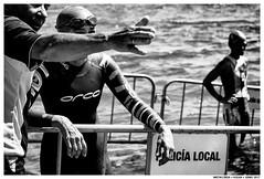 --- (Matías Brëa) Tags: deporte sport triatlon blancoynegro blackandwhite byn bw bnw agua water social documentalismo documentary personas people