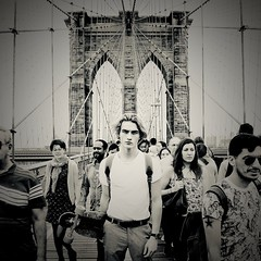 Brooklyn bridge. (Robban.W) Tags: manhattan newyork brorklyn brooklynbridge bridge nyc ny blackandwhite usa us longboard igoliverwiksater