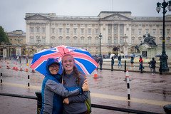 Maybe after 2 months Stephanie has enough hugs from her Aunt.  This one in front of Buckingham Palace.