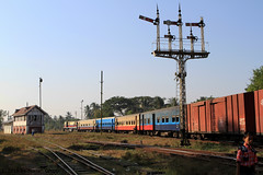 I_B_IMG_0452 (florian_grupp) Tags: asia myanmar burma train railway railroad bago pegu semaphore signal british myanmarailways southeast metergauge metregauge 1000mm diesel locomotive