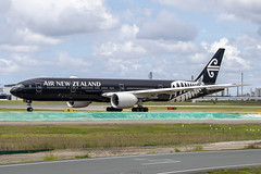 ZK-OKQ B773 AIR NEW ZEALAND YBBN (Sierra Delta Aviation) Tags: air new zealand boeing b773 brisbane airport ybbn zkokq
