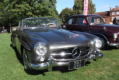 Mercedes 180 SL (catrionatv) Tags: winchester winchestercathedral outerclose classiccar 1961 180sl mercedes restored