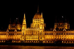 Parlamento de noche (jmromara) Tags: budapest night lights building