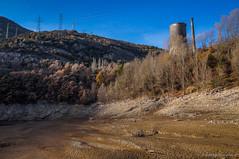 La central del terror (SantiMB.Photos) Tags: 2blog 2tumblr 2ig labaells pantano dam fango mud río river llobregat geo:lat=4216967906 geo:lon=186065761 geotagged santjordidecercs cataluna españa esp