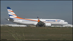 Boeing 737-8 MAX (Salvador Ruiz Gómez) Tags: avión aviones reactor boeing boeing737 manises vlc