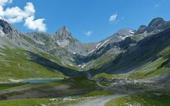 Glattalp Panorama (Marit Buelens) Tags: panorama landscape lake see meer lac suisse schweiz switzerland schwyz muotathal bisistal glattalp glattalpsee höchturm schnee cow road rock blue green white reservoir ortstock alps