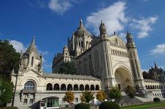 JLF16256 (jlfaurie) Tags: lisieux basilique basilica saintethérèse santateresa daniel marie france mpmdf mechas louisette 102018 normandie normandia