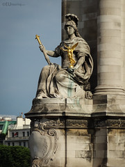 La France de Louis XIV (eutouring) Tags: paris france travel statues statue sculptures sculpture pontalexandreiii bridge lafrancedelouisxiv golden stone column large