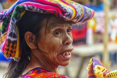 Le rughe della vita (forastico) Tags: forastico d7100 nikon guatemala chichicastenango maya donna mercato colori