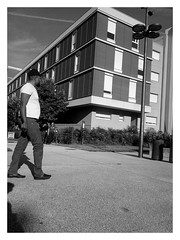 Walk and see further (Plaisirs Graphic) Tags: ccbysa création bw noiretblanc streetphotography streetphotographie photo photographie pentax grenoble man homme people king god foot leg pieton run route plaisir smile arbre building parc park door