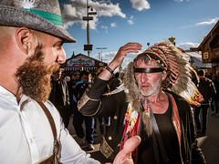 Menschen auf der Wiesn - People on the Oktoberfest 2018 Munich (10).jpg (Ralphs Images) Tags: streetphotography moods mft menschen olympuszuikolenses ralph´simages stimmungen panasoniclumixg9 oktoberfest munich people streets