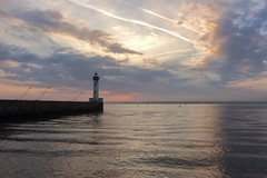 Morning sky . Friday, September 28th (Jakez Bo) Tags: phare ciel mer lighthouse sea sky