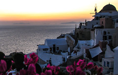 After the sun sets (Rabican7) Tags: santorini dusk sunset photography greece aegeansea island greekislands greeksummer view colorful picturesque flowers sea traveling