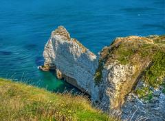 Etretat la Porte Amont vu d'en haut... (capvera) Tags: etretat normandy porteamont amont falaise cliffs chalk coastline arche