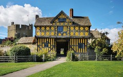 17th century gatehouse, Stokesay Castle, Shropshire (Baz Richardson (now away until 26 Oct)) Tags: shropshire stokesaycastle castles fortifiedmanorhouses 17thcenturygatehouses 13thcenturyarchitecture englishheritage