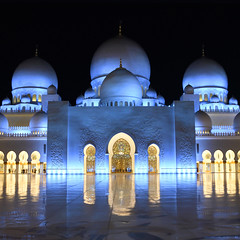 Wide open space (Arni J.M.) Tags: architecture building wideopenspace marble reflection night landmark lit courtyard domes doorways yousefabdelky sheikhzayedgrandmosque abudhabi uae