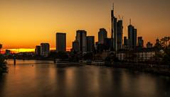 Frankfurt Skyline (st.weber71) Tags: fluss langzeitbelichtung lzb licht sonne sonnenuntergang main frankfurt nikon deutschland germany gebäude gegenlicht skyline frankfurtskyline wasser architektur brücke goldenestunde
