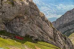 Monte Pilatus, Alpnach. Suiza (Jose Antonio Abad) Tags: joséantonioabad paisaje europa pública montaña naturaleza tren suiza alpes alpnach montepilatus alps europe lanscape pilatus schweiz suisse svizra svizzera switzerland ferrocarril montagne mountain nature train kriens obwalden ch