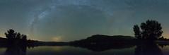 Baño de verano, Summer bath (Esgarmont) Tags: tree bath lake lough vl milkyway reflection