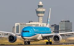KLM B787 (Ramon Kok) Tags: 787 7879 ams avgeek avporn aircraft airline airlines airport airways amsterdam amsterdamairportschiphol ariplane aviation blue boeing boeing787 boeing7879 dreamliner eham holland kl klm koninklijkeluchtvaartmaatschappij phbho royaldutchairlines schiphol schipholairport taxiway taxiwayvictor thenetherlands victor hoofddorp noordholland nederland nl