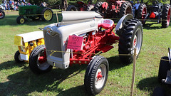 1955 Ford Model 640 (blazer8696) Tags: 2018 antique association cama camaff20018 ct connecticut ecw fall festival kent kentfurnace machinery t2018 usa unitedstates 1955 640 ford img1240 model tractor