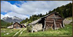 Chalets d'antan (watbled05) Tags: architecture ciel champ extérieur hautesalpes herbe montagne nuages névache paysage panoramique rochers valléedelaclarée village