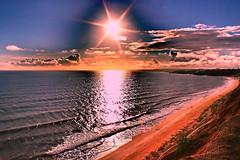 Algarve (Zéza Lemos) Tags: sunset sunny sol portugal pordesol praia puestadelsol algarve água areia aves water mar vilamoura outono férias natureza natur núvens