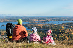 Family on the top fo Tahko hill in autumn (VisitLakeland) Tags: finland kuopiotahko lakeland tahko autumn forest hiking järvi kävely lake luonto luontokohde maisema metsä nature outdoor patikoida patikointi puu retkeily scenery syksy tree walking water