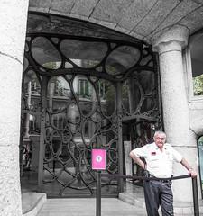 CasaMila -Barcelona (Peter Silvan) Tags: guard barcelona black white red casa mila gate modernista art nouveau gaudi