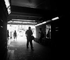 道標 (a milestone) (Dinasty_Oomae) Tags: nationalgraflex ナショナルグラフレックス graflex グラフレックス 白黒写真 白黒 monochrome blackandwhite blackwhite bw outdoor 東京都 東京 tokyo 豊島区 toshimaku 駒込 komagome 駅 station