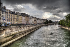"Storm clouds over the Seine • <a style=""font-size:0.8em;"" href=""http://www.flickr.com/photos/45090765@N05/31354077088/"" target=""_blank"">View on Flickr</a>"