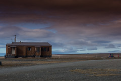 Ulukhaktok (_pjmonline) Tags: arctic ulukhaktok northwestpassage remote northwestterritories crystalserenitynorthwestpassage ef2470f28lusm sky canada nwp canoneos5dmarkiii hut clouds