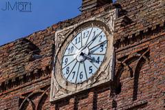 IGLESIAFUENTE11 (PHOTOJMart) Tags: torre iglesia fuente del maestre parroquia jmart candelaria reloj numeros agujas palomo ave