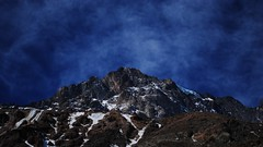 blue mountain (Damián_F) Tags: mountain blue sky nikond3000 d3000 nikon amateur chile embalseelyeso elyeso cajondelmaipo santiago snow nieve azul