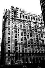New YorkBW0448 (schulzharri) Tags: new york black white schwarz weis city stadt usa amerika america travel monochrome reise town skyscraper scraper hochhaus building architecture archhitektur art wolkenkratzer architektur gebäude einfarbig himmel linien