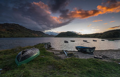Ruthven at Sunset. (Gordie Broon.) Tags: lochruthven boats fishing sunset tullich scotland croachy schottland scenery lecoucherdusoleil atardecer browntrout endofseason hills paysage hugeln heuvels dalcrombie farr scenic paisaje landschaft collines colinas gordiebroonphotography sonnenuntergang beach clouds invernessshire abersky lac lago tramonto 2018 sonya7rmkii ilce7rm2 sonyzeiss1635f4lens stacgorm alba caledonia scottishhighlands escocia ecosse scozia geotagged giottos