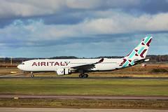 Air Italy A330-200 EI-GGO landing HEL/EFHK (Jaws300) Tags: europe eu finland helsinki airport arrival arriving landing runway airbus a330 a332 efhk hel finnair opffinnair leased qatarairways italy air airitaly a330200 eiggo iss ig