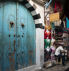 Hanout Arab. (Lucie Kratz) Tags: bluedoor souk backstreet hanout arab tunis tunisia oriental portebleue ruelle arabe tunisie orientale gx80