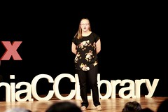 Sarah Itoh (TEDxLivoniaCCLibrary) Tags: tedxlivoniacclibrary tedx livonia shaunroberts 2018
